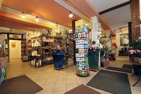 Gewerbefläche 2. Kapitalanleger aufgepasst! Lukratives Wohn- und Geschäftshaus  im Zentrum der Warbelstadt Gnoien!