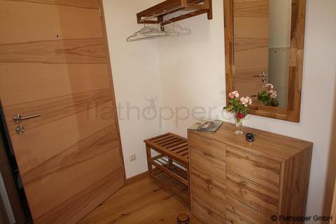 Bild 11 FLATHOPPER.de - 1,5 Zimmer-Galerie-Wohnung im Holzhaus mit Balkon -  bei Otterfing