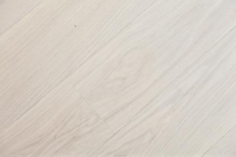 Weiß geölte Parket-Landhaus-Dielen Luxuriös renovierte 1-Zi.-Whg. mit Süd-Balkon und separater Küche mit Fenster in Planegg