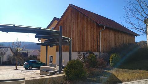 ...mit Nebengebäude Wohn- und Geschäftshaus - Gut gehende, alt eingesessene  Gastronomie mit  Ferienwohnungen
