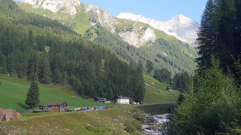Umgebung Geschlossener Hof eine Tiroler Rarität