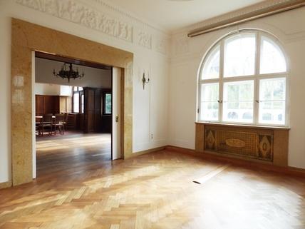 Mittelzimmer STOCK - PROVISIONSFREI - Herrschaftliche Altbauvilla in Bestlage