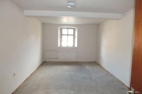 Zimmerbeispiel im OG Ehemalige Gaststätte mit Nebengebäude in Uehlfeld... Handwerker und Sanierer aufgespasst!