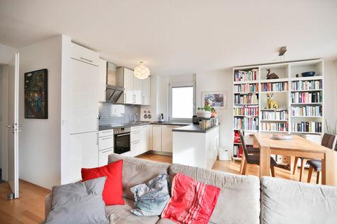Wohnen, Essen und Kochen **Helle und moderne 3 - Zimmer - Wohnung mit sonnigem Balkon zum Wohlfühlen**