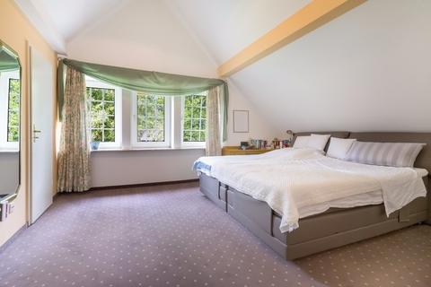 Zimmer 1 Gepflegtes Fachwerkanwesen mit Privatsee und Nebengebäuden