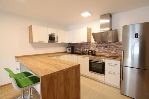 Offene Einbauküche Neuwertige 4-Zimmerwohung in Bestlage