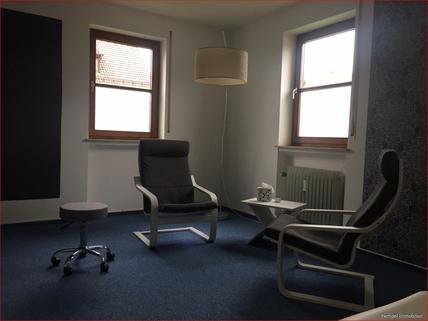 Büro Gepflegte Gewerbefläche Praxis/Büro/Einzelhandel im Dorfkern mit Stellplätzen