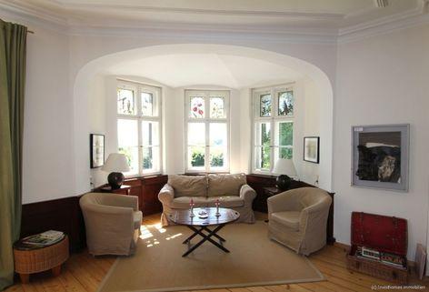 Wohn-/ Esszimmer mit Erker Absolute Rarität-Charmante denkmalgeschützte Villa in schöner Lage am Westufer des Starnberger Sees
