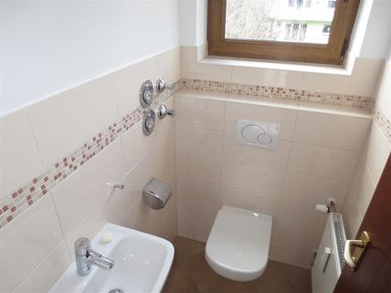 Gäste-WC **Rarität in Waldtrudering**Stilvolle 4-Zi-Etagen-Whg. mit S/O-Balkon+West-Garten im 2-Familienhaus**