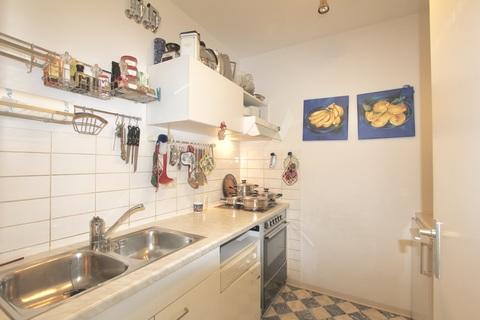 Küche RESERVIERT !!! ERBBAURECHT: 2-Zimmer-Wohnung mit Balkon in ruhiger, zentraler Lage Haidhausen nahe Gasteig