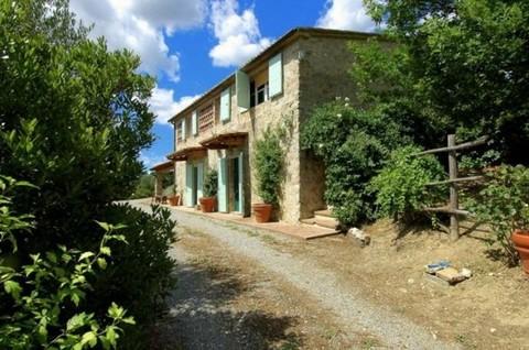 N60550166_mvc-001f.jpg Freistehendes Haus umrahmt von Weinbergen u. Olivenbäumen