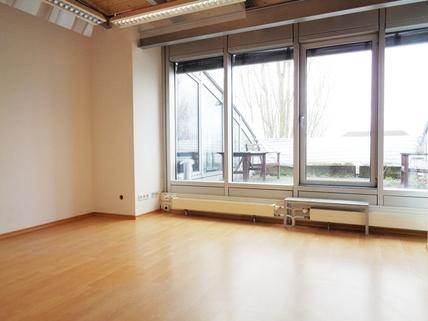Büro STOCK - Bürofläche mit Blick Unterschleißheim