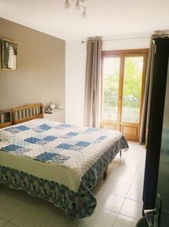 Schlafzimmer 2 Südfrankreich?... Warum eigentlich nicht?!<br /> <br /> Anwesen mit 3 Wohnungen und Pool in ruhiger Lage.