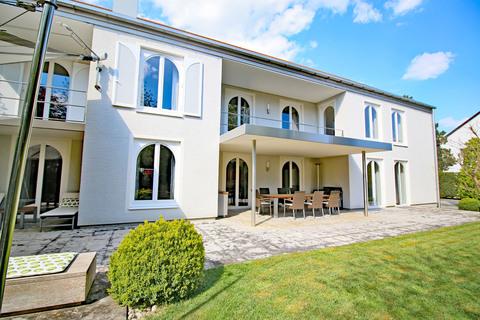 Bild 2 Einzigartige Villa in Bestlage