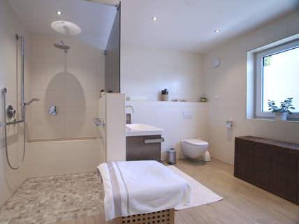 Badezimmer Barrierefreie, neuwertige DHH in Pentling