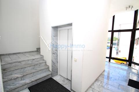 Treppenhaus 3 Zimmer Büro - Teeküche und 2 Toiletten, ca. 144 m²