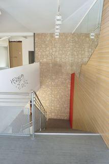 Treppe ins Erdgeschoss Büroräume/Laden in bester Lage in Regen zu vermieten