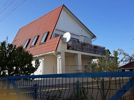 PUA0010_mvc-001f.jpg Wunderschönes Haus mit eigenem Pool, Sauna, Garten, Grilleck