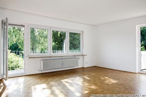 Wohnzimmer mit 2 Balkonen #Neu im Angebot# Idyllisch. Charmant. Rarität.