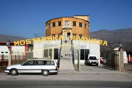 PBIH0009_mvc-001f.jpg Brauerei mi Lokal in Mostar/Bosnien-Herzegowina