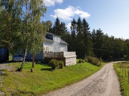 PS0026_mvc-001f.jpg Wunderschönes Einfamilienhaus mit Flussblick am Waldrand