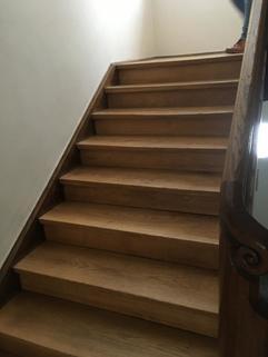 Treppenhaus RESERVIERT: Gepflegte Kapitalanlage in Zentrumsnähe - Stilvoll und gut vermietet
