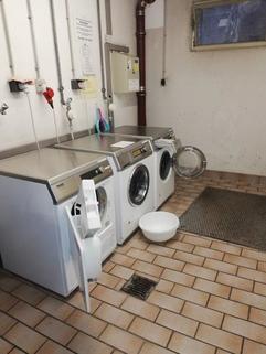 Waschraum im Haus Laim: Appartement zu verkaufen