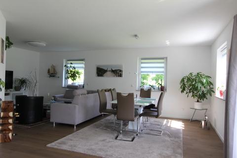 Essbereich -VERKAUFT- Neuwertiges Einfamilienhaus mit großem Garten in Ortsrandlage von Feldkirchen