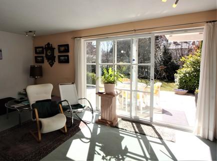 Wohnzimmer Waldtrudering: Gepflegte Doppelhaushälfte, absolut ruhig gelegen