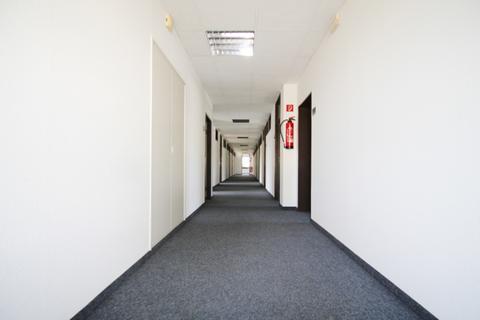Flur Inklusiv-Miete in Putzbrunn - Büroräume - 30 m² oder 34 m² - Provisionsfrei