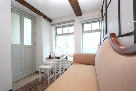 Wohnbereich der Gästewohnung Kapitalanleger aufgepasst! Lukratives Wohn- und Geschäftshaus  im Zentrum der Warbelstadt Gnoien!