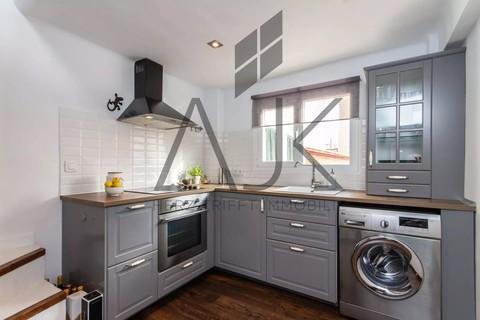 Küche mit Aufgang Dachterrasse Trend Zweitwohnsitz: Charmantes Penthouse mit privater Dachterrasse in der Altstadt von Palma