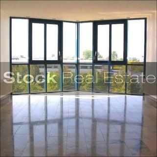 Etagen_Vorplatz_prot STOCK - PROVISIONSFREI - Preisgünstige Büroräume in Unterschleißheim