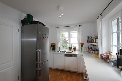 Bild 1 EBK Helle, neuwertige 3-Zimmer-Wohnung mit Balkon in ruhiger Lage von Harlaching