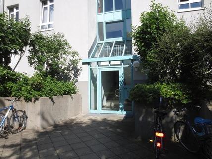 Eingang/Treppenhaus **An den Isarauen**Lichtdurchflutete 2-Zimmer-Wohnung mit Balkon in Unterföhring**