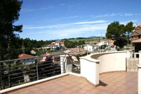 PE0247_mvc-001f.jpg Neu erbaute Villa in der Nähe von Barcelona, Panoramablicke