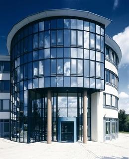 Fassadenansicht STOCK - PROVISIONSFREI - Moderne Büroflächen in Airport-Nähe