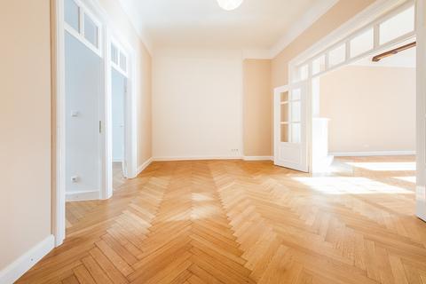 Esszimmer Herrschaftliche 5-Zimmer-Altbauwohnung mit Kamin und Südbalkon