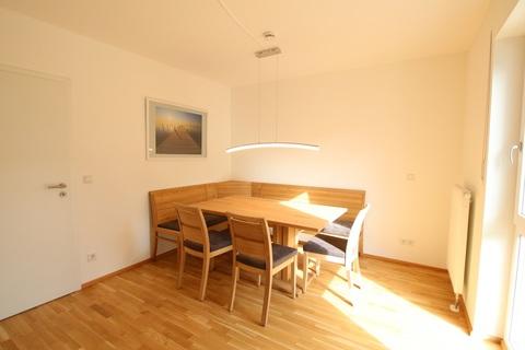 Essen/Büro Neuwertige 4-Zimmerwohung in Bestlage