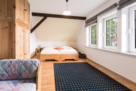 Zimmer 2 Gepflegtes Fachwerkanwesen mit Privatsee und Nebengebäuden