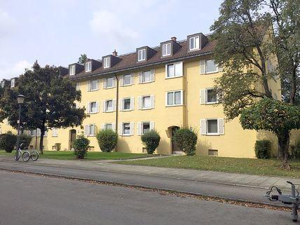 Strassenansicht Denkmalgeschütztes Haus - mit neuem Dachausbau in 2006