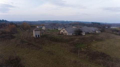 PLT0013_mvc-001f.jpg Grundstück in Litauen am See mit Lagerhallen