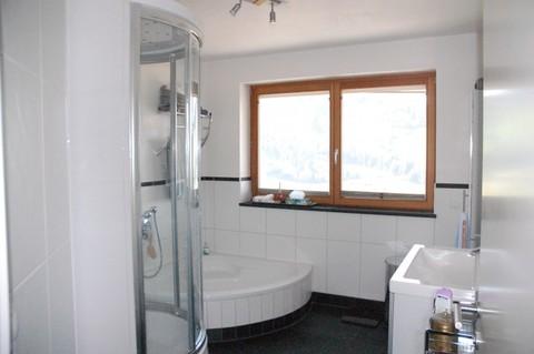 Badezimmer Besonderes Architektenhaus mit Baugrundstück