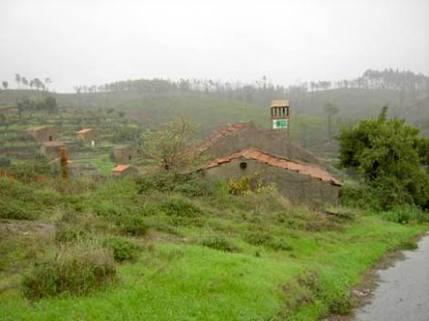 BM0089_mvc-001f.jpg Praktisches Landhaus in der grünen Hügellandschaft am Dorfra