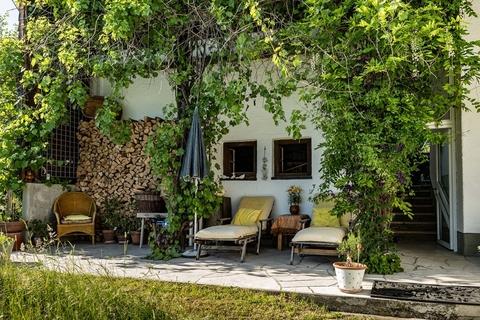 Weiterer Outdoor-Ruhe-Aussichtsbereich NATURSCHÖNHEIT!<br /> Traumhaus mit Bergblick<br /> - 20 Min. in die Stadt Salzburg!