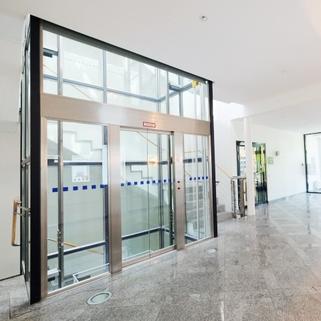 Foyer2 Klassisches Bürogebäude ... Perfekte Büros mit guter Verkehrsanbindung