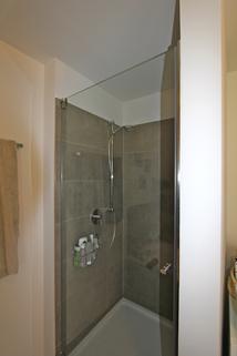 Bad / Dusche Helle, neuwertige 3-Zimmer-Wohnung mit Balkon in ruhiger Lage von Harlaching