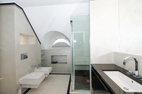 Bad Lehel - Dachgeschosswohnung der besonderen Art
