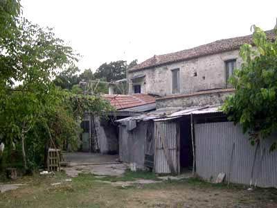 IP0349_mvc-001f.jpg Bauernhaus zwischen Bergen und Meer, restaurierungsbed.