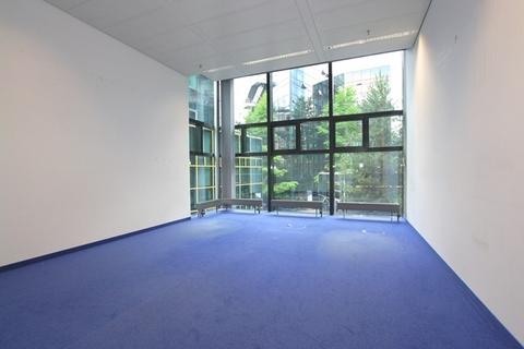 Büro STOCK - Futuristische Bürofläche in Maxvorstadt